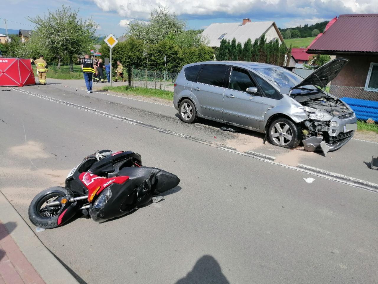 Tragiczny wypadek w Czaszynie. Motorowerzysta zginął na miejscu - Zdjęcie główne