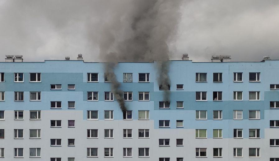 Pożar w jednym z rzeszowskich wieżowców! Trwa ewakuacja mieszkańców! - Zdjęcie główne