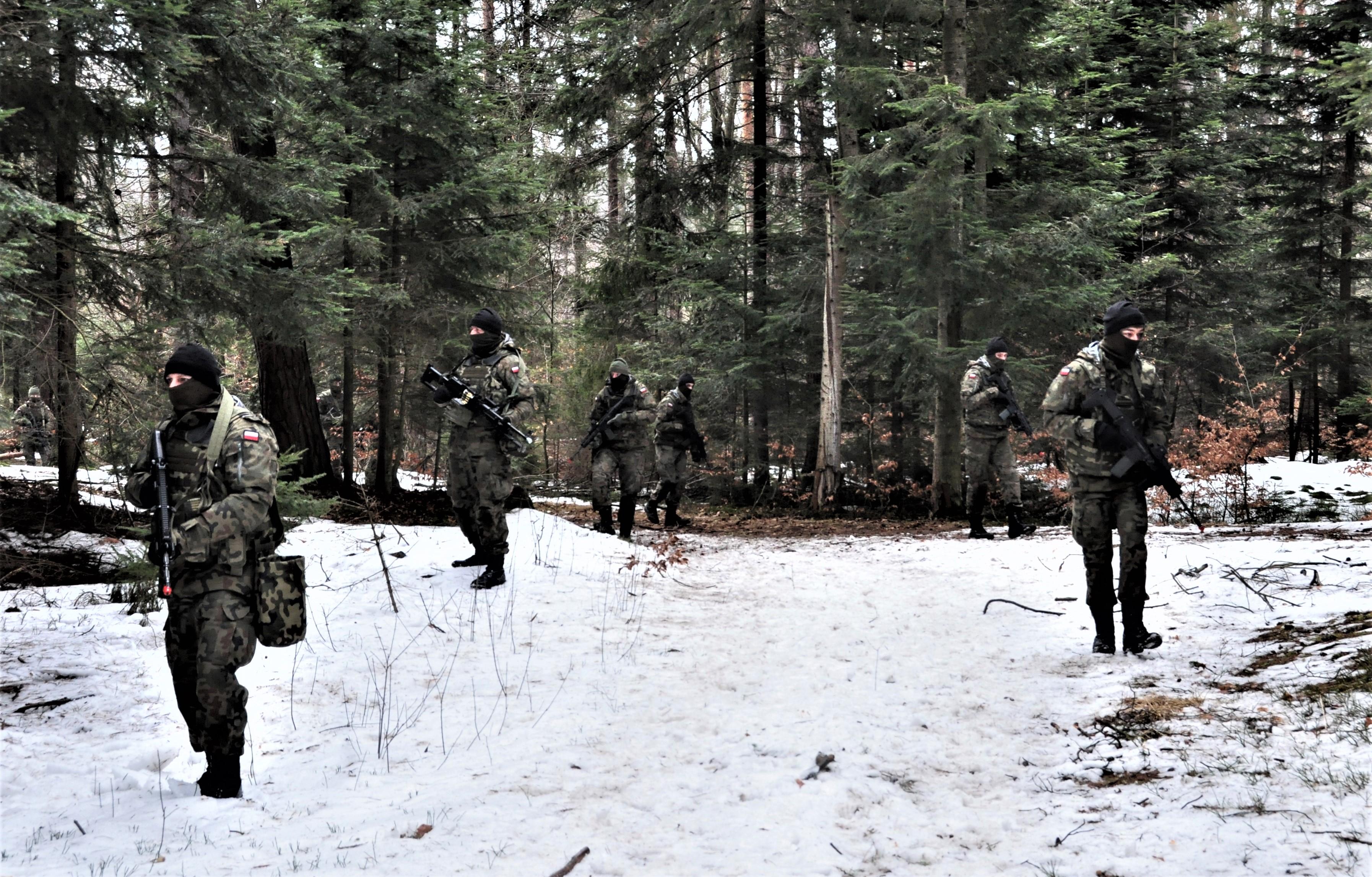Prawie 1,5 tys. żołnierzy 3 PBOT szkoliło się w weekend [ZDJĘCIA] - Zdjęcie główne
