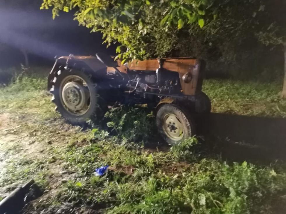 Podkarpacie. 78-latek zginął przygnieciony przez traktor [FOTO] - Zdjęcie główne