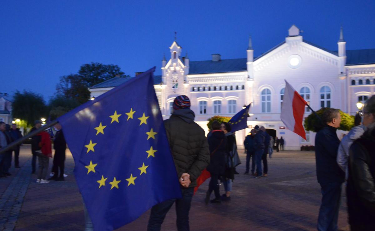 Jesteśmy Europejczykami! Sanok zamanifestował swoje zdanie [ZDJĘCIA+WIDEO] - Zdjęcie główne