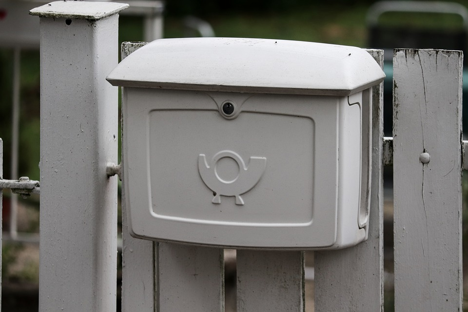 Poczta Polska z tradycyjnego operatora pocztowego przestawia się na obsługę e-handlu - Zdjęcie główne