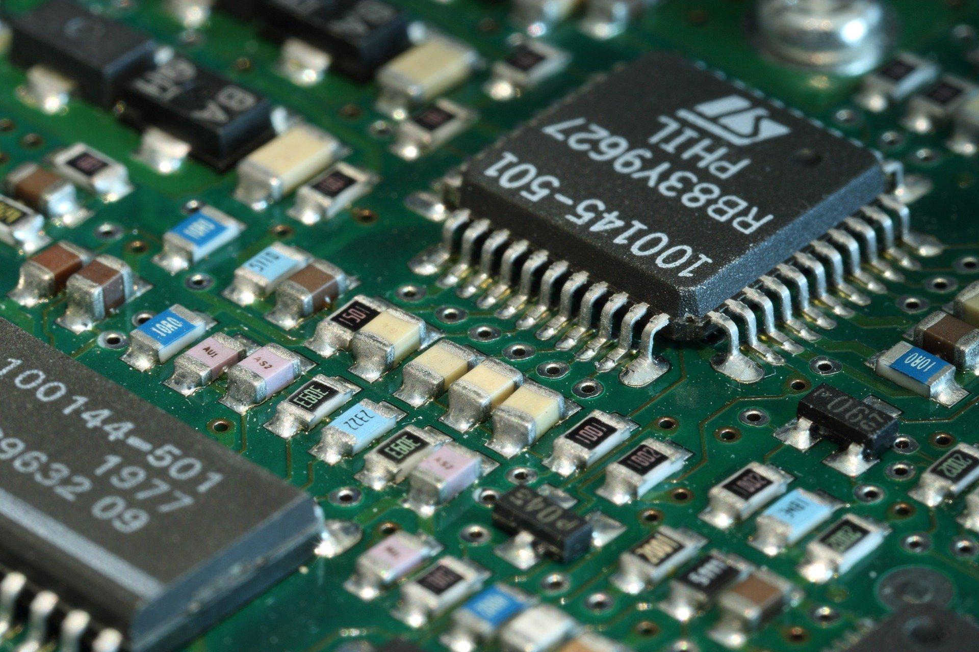 SANOK: 36-latek ukradł sprzęt elektroniczny na kwotę ponad 6 tys. złotych!  - Zdjęcie główne