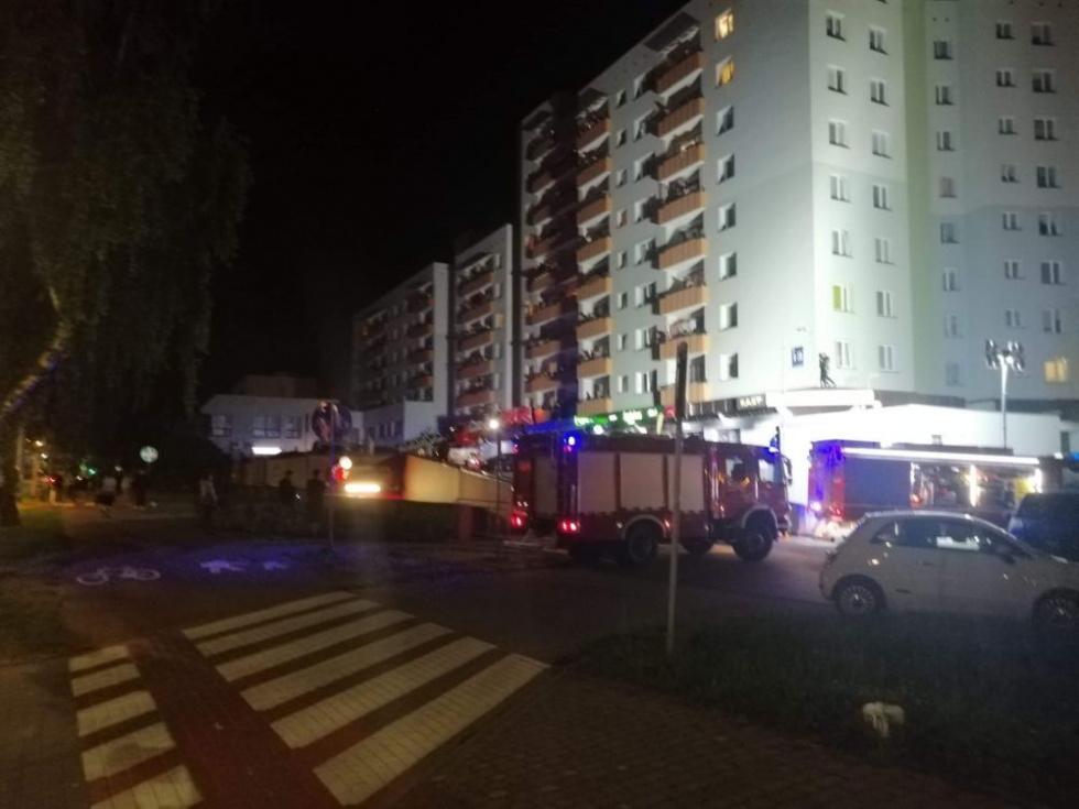 Podkarpacie. 61-latek wypadł z 9 piętra wieżowca [FOTO] - Zdjęcie główne