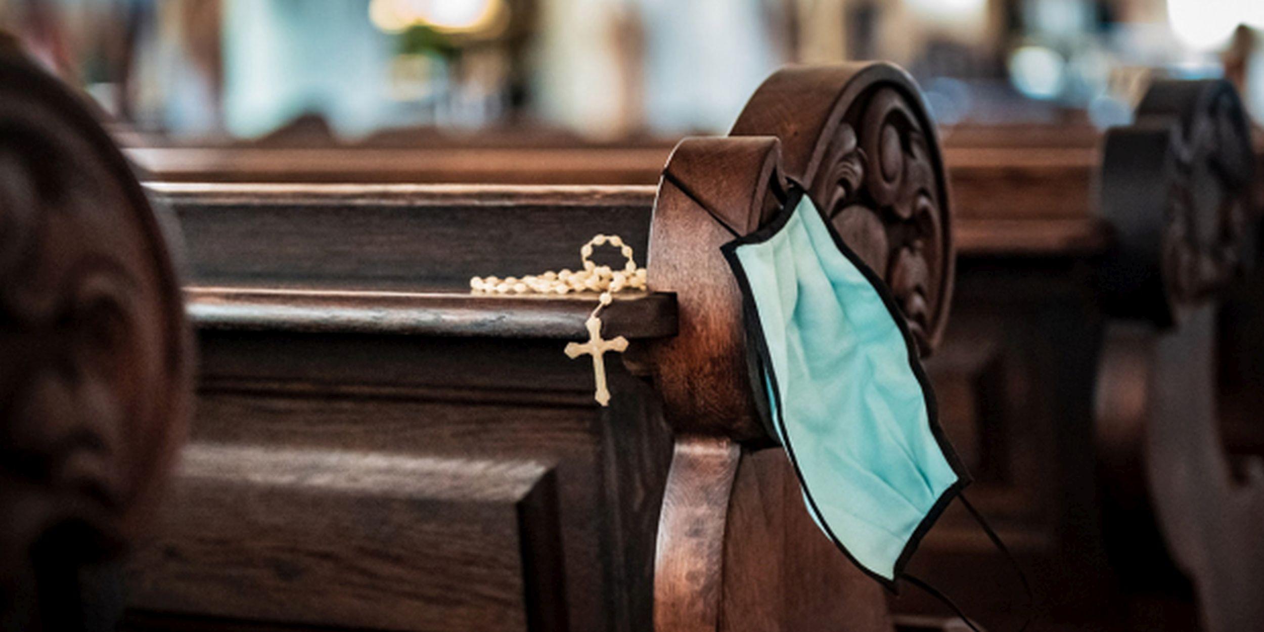 Obostrzenia sanitarne w kościołach. Są sygnały o ich lekceważeniu przez księży - Zdjęcie główne