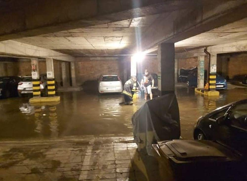 Zalane garaże, piwnice szkół i urzędów! Podkarpacka straż ma mnóstwo pracy po ulewach - Zdjęcie główne