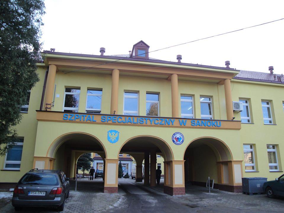 Nemocnica na kraji mesta (Szpital na peryferiach) - Zdjęcie główne