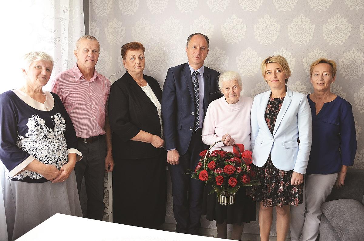 GMINA BESKO: Przeżyła sto lat! Poznaj sekret pani Marii na długowieczność - Zdjęcie główne
