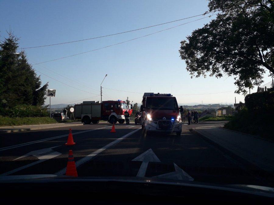 Pechowa droga w Jabłonicy Polskiej? Kolejne zdarzenie na drodze [FOTO] - Zdjęcie główne