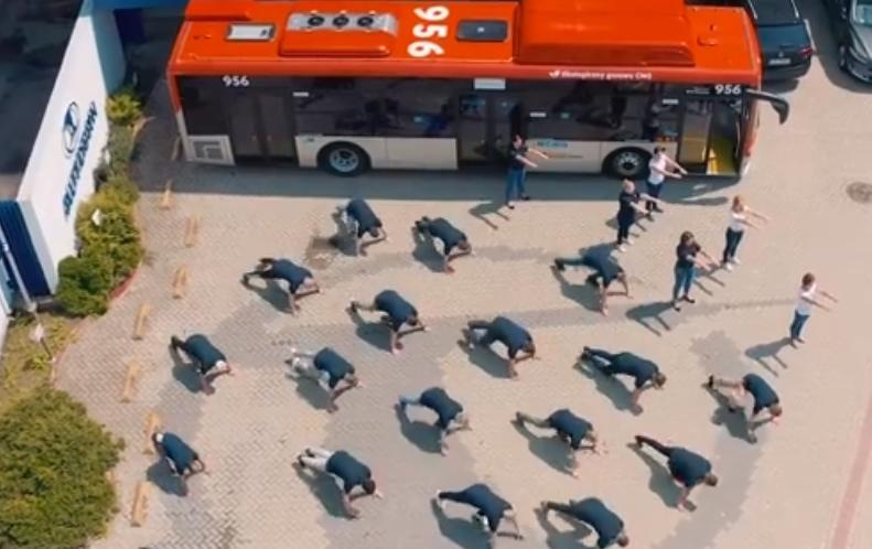 Firma Autosan wykonała #GaszynChallenge! [VIDEO] - Zdjęcie główne