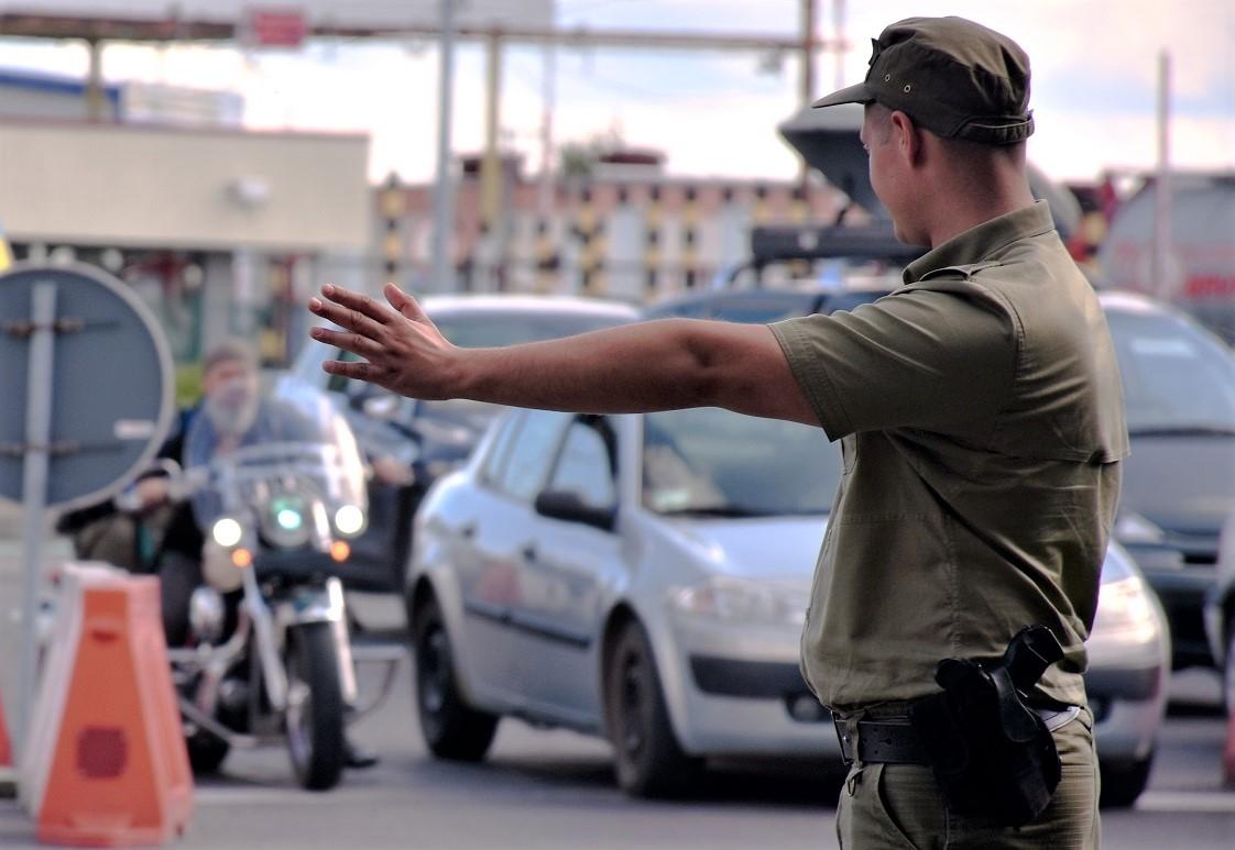 """Korczowa: 26-latek zgłosił się do kontroli granicznej na """"podwójnym gazie"""" i bez uprawnień - Zdjęcie główne"""