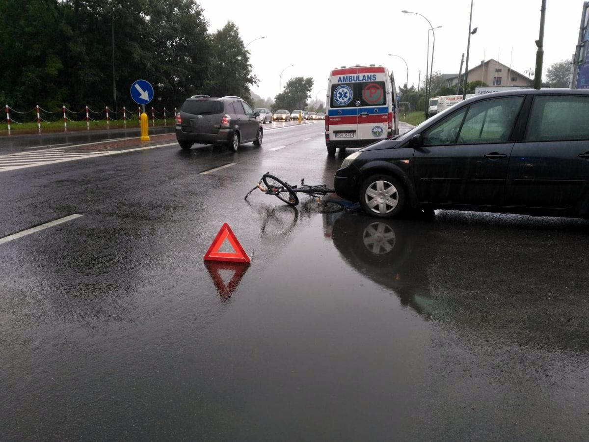 SANOK: Potrącenie rowerzysty na ul. Krakowskiej [FOTO+VIDEO] - Zdjęcie główne