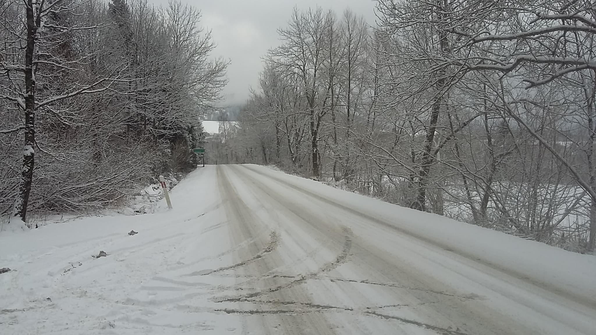 Trudne warunki na bieszczadzkich drogach [VIDEO] - Zdjęcie główne