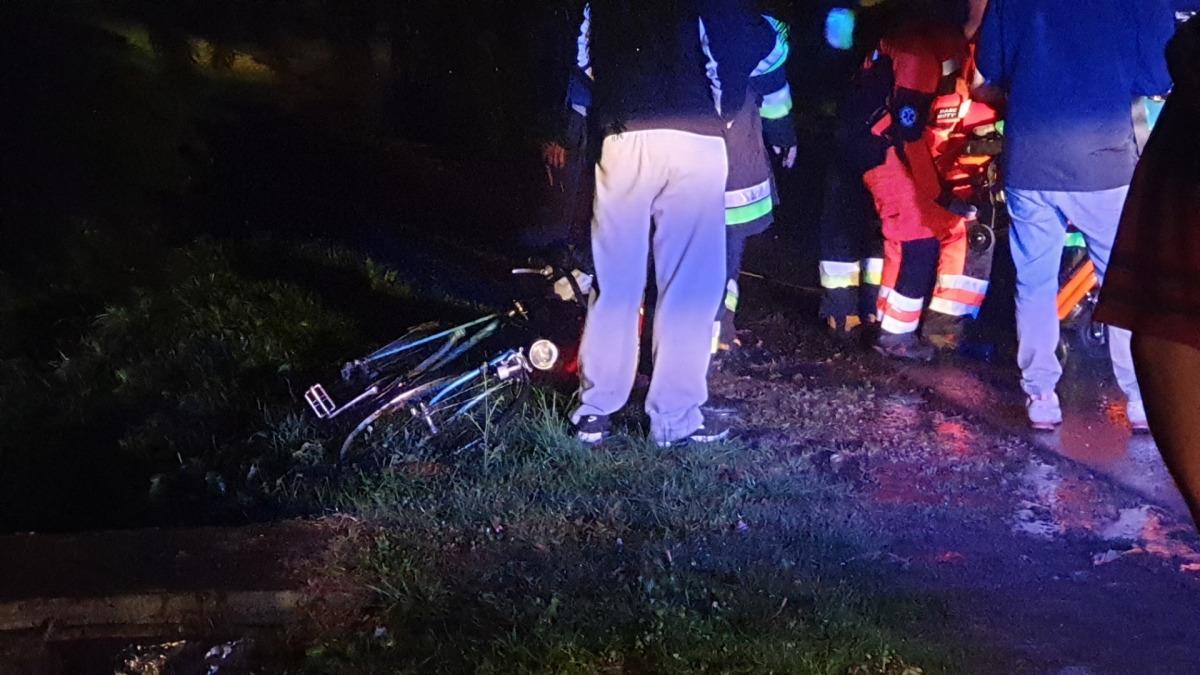 Potrącenie rowerzysty w Pielni. Sprawca zbiegł z miejsca zdarzenia [ZDJĘCIA] - Zdjęcie główne