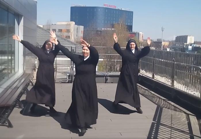Siostry Prezentki z Rzeszowa podbiły Internet swoim tańcem [WIDEO] - Zdjęcie główne
