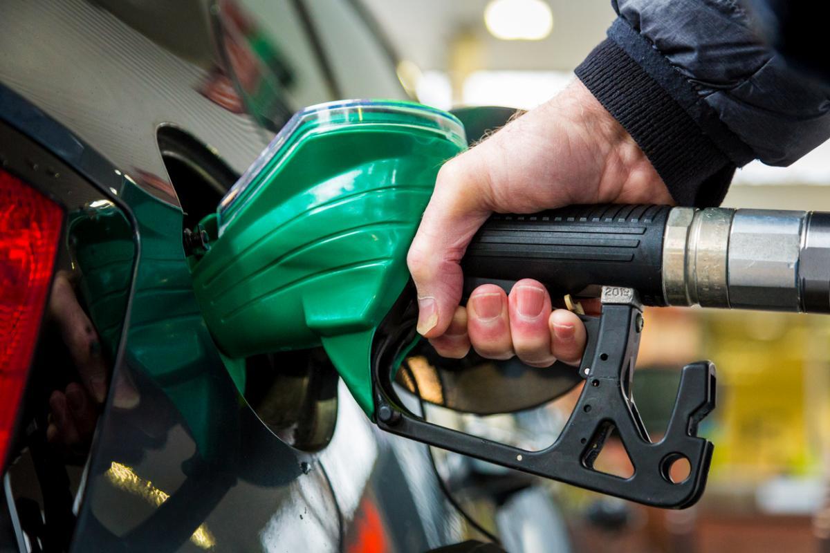 Czy na polskich stacjach paliw może być jeszcze drożej? Granica 6 zł za litr przekroczona! - Zdjęcie główne