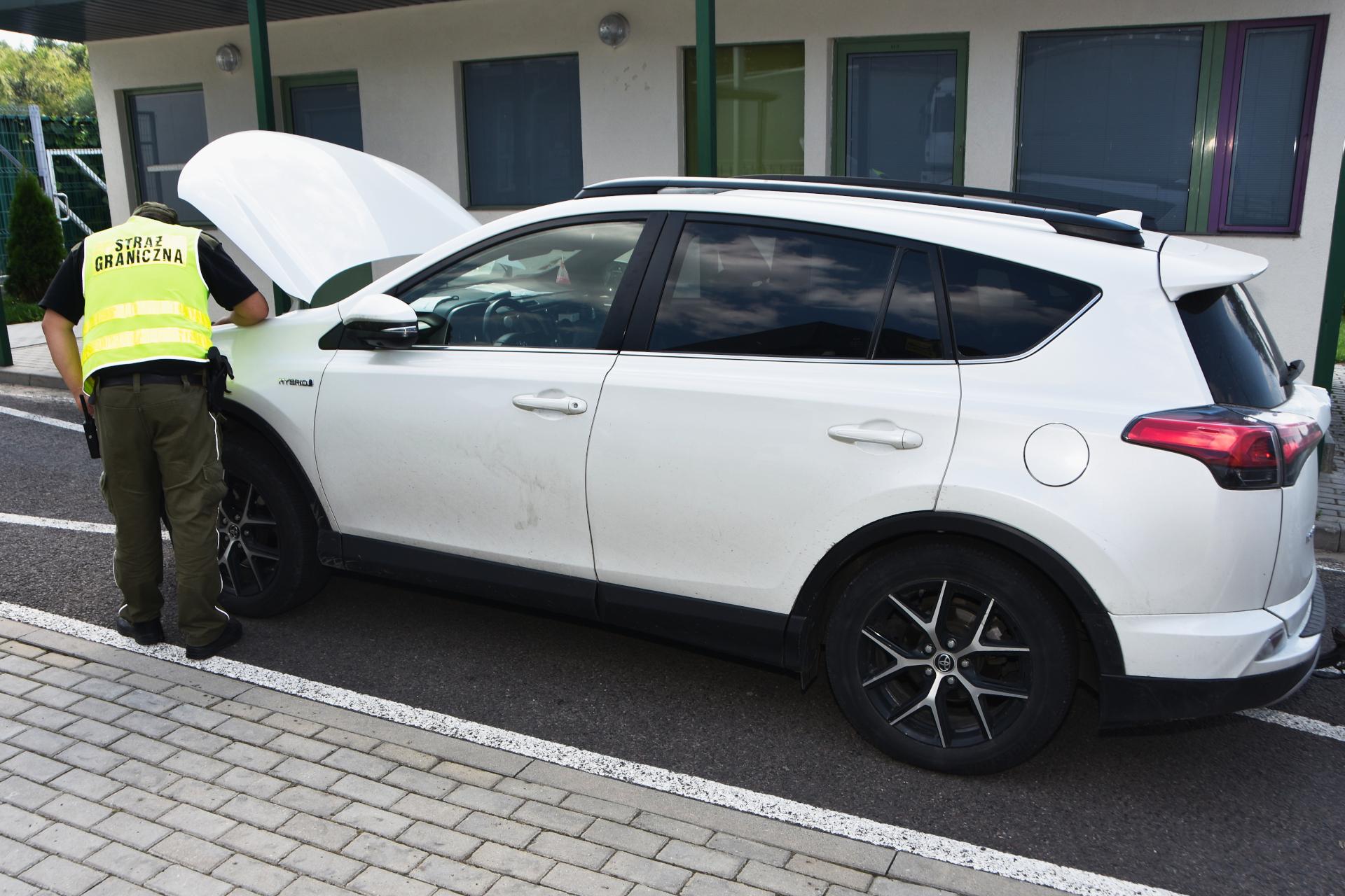 Podkarpacie/Medyka: Zatrzymanie skradzionego auta [FOTO] - Zdjęcie główne