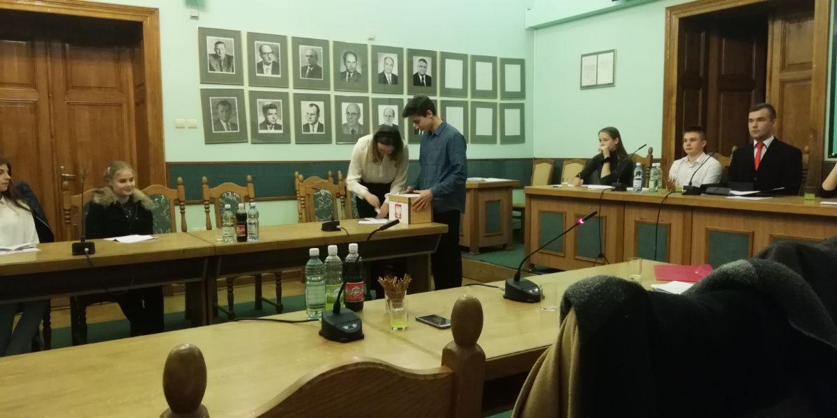 II sesja Młodzieżowej Rady miasta Sanoka - Zdjęcie główne
