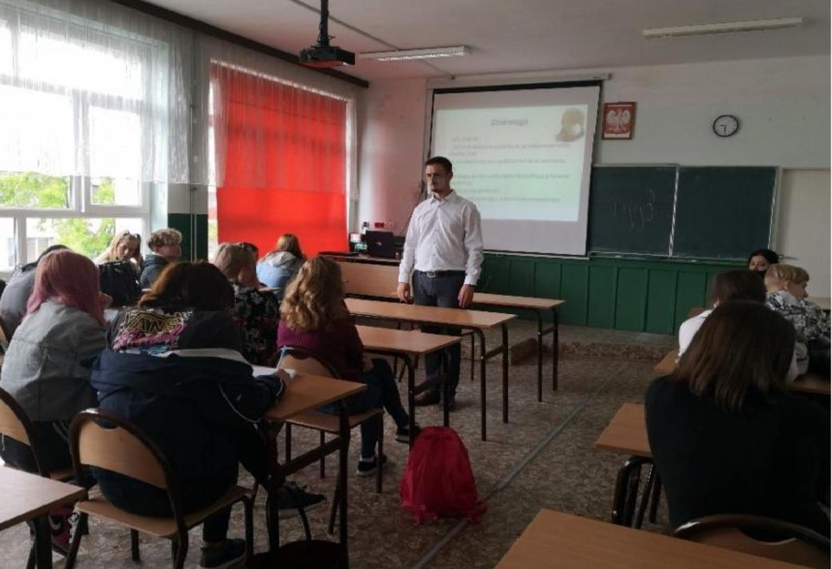Powiat Sanocki. Warsztaty prawne dla uczniów ze szkół ponadpodstawowych - Zdjęcie główne