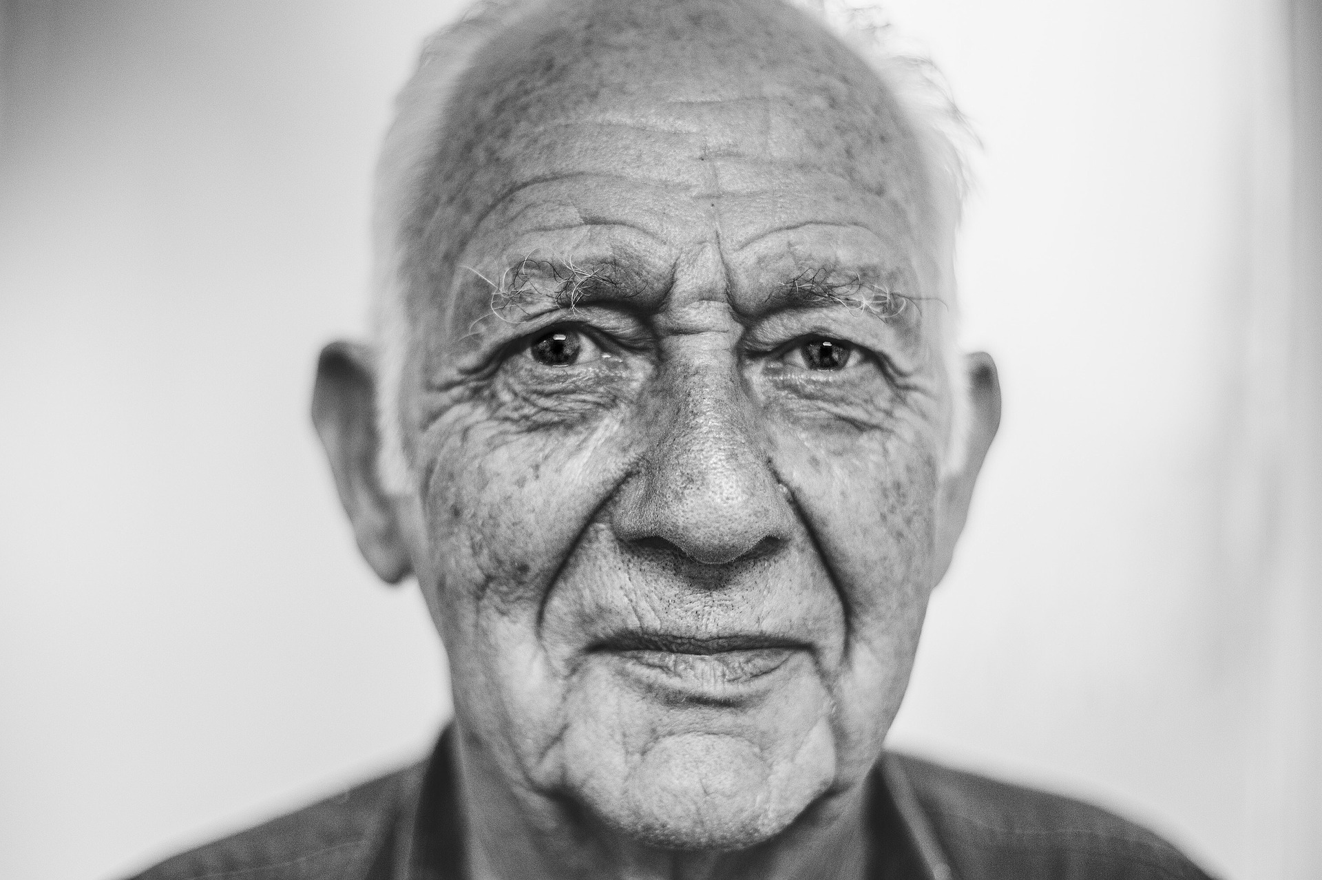 Od piątku seniorzy 80 plus mogą zapisywać się na szczepienia - Zdjęcie główne
