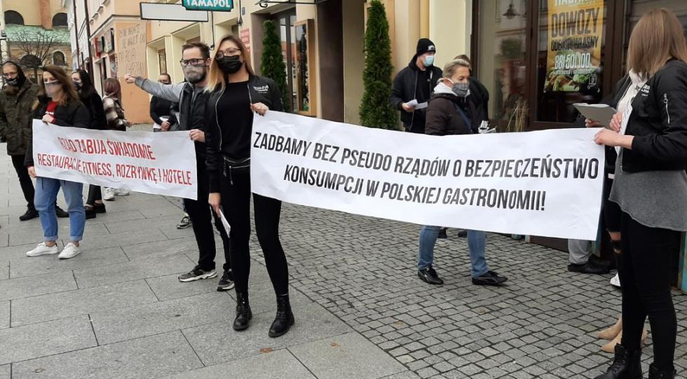 """Region. Branża gastronomiczna powiedziała """"dosyć"""": - Rząd chce nas zniszczyć! - Zdjęcie główne"""