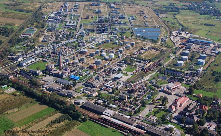 PKN Orlen zwiększy produkcję płynów wirusobójczych i obniży ceny paliw - Zdjęcie główne