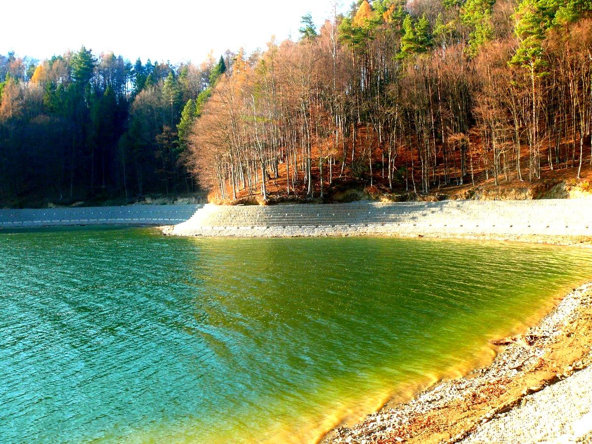 Wzmocnienie brzegów jeziora Solińskiego. Będzie więcej miejsc do spacerowania [VIDEO+FOTO] - Zdjęcie główne