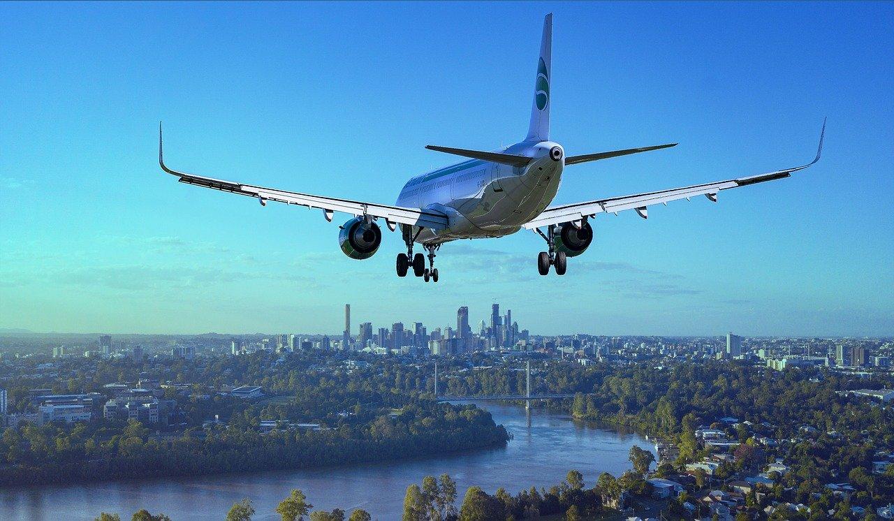 Rząd do 1 września przedłuża zakaz połączeń lotniczych do 43 krajów - Zdjęcie główne