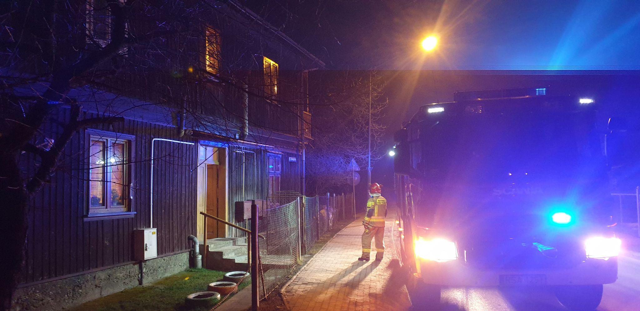 SANOK: Pożar sadzy w przewodzie kominowym na ul Białogórskiej [ZDJĘCIA+FILM] - Zdjęcie główne