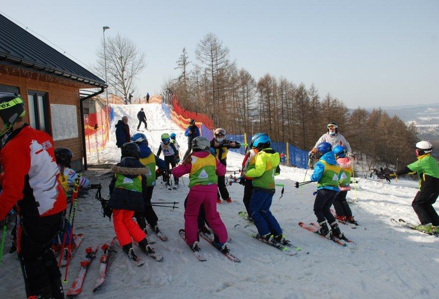 Policja czuwała nad bezpieczeństwem na stokach narciarskich [ZDJĘCIA] - Zdjęcie główne