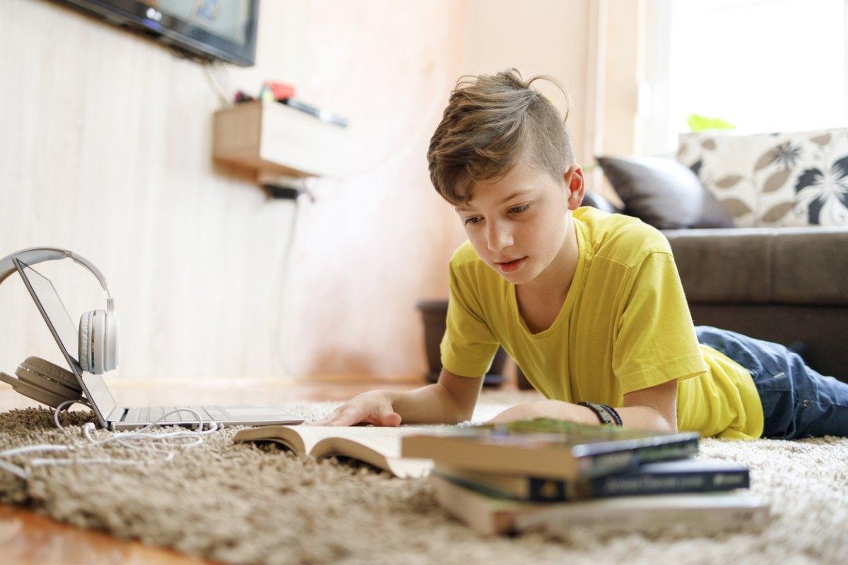 Sprawdź co teraz będą czytać dzieci. Minister Czarnek zmienia listę lektur - Zdjęcie główne