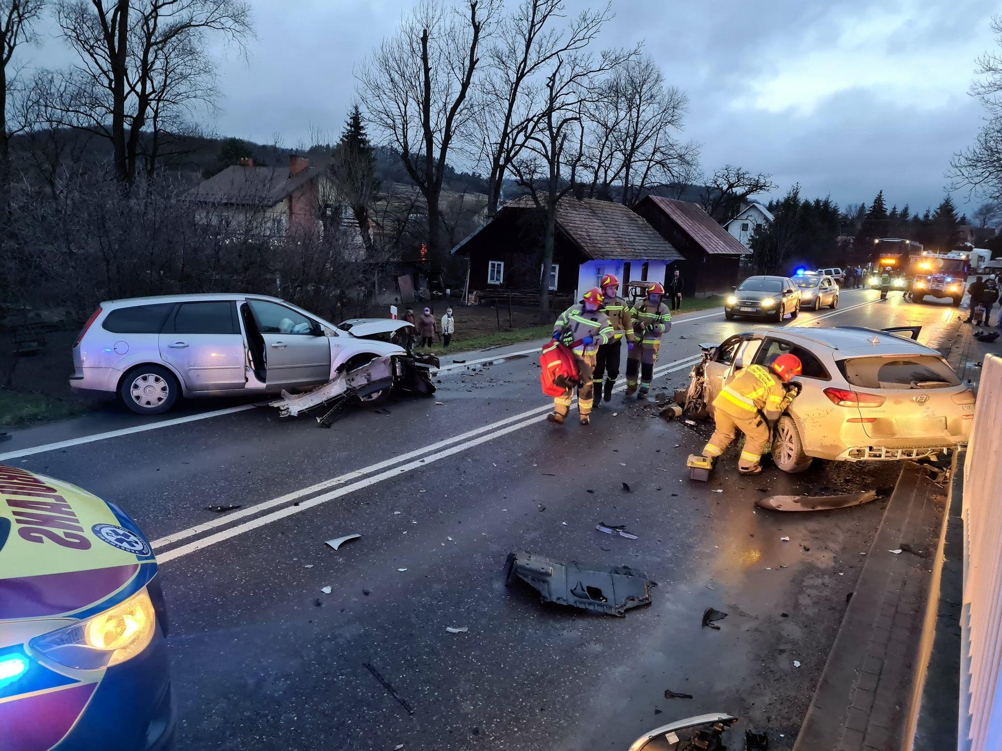 Niebezpieczne zderzenie w Pakoszówce [FOTO+VIDEO] - Zdjęcie główne