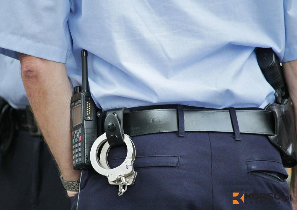 REGION: Wjechał w radiowóz przy próbie ucieczki  - Zdjęcie główne