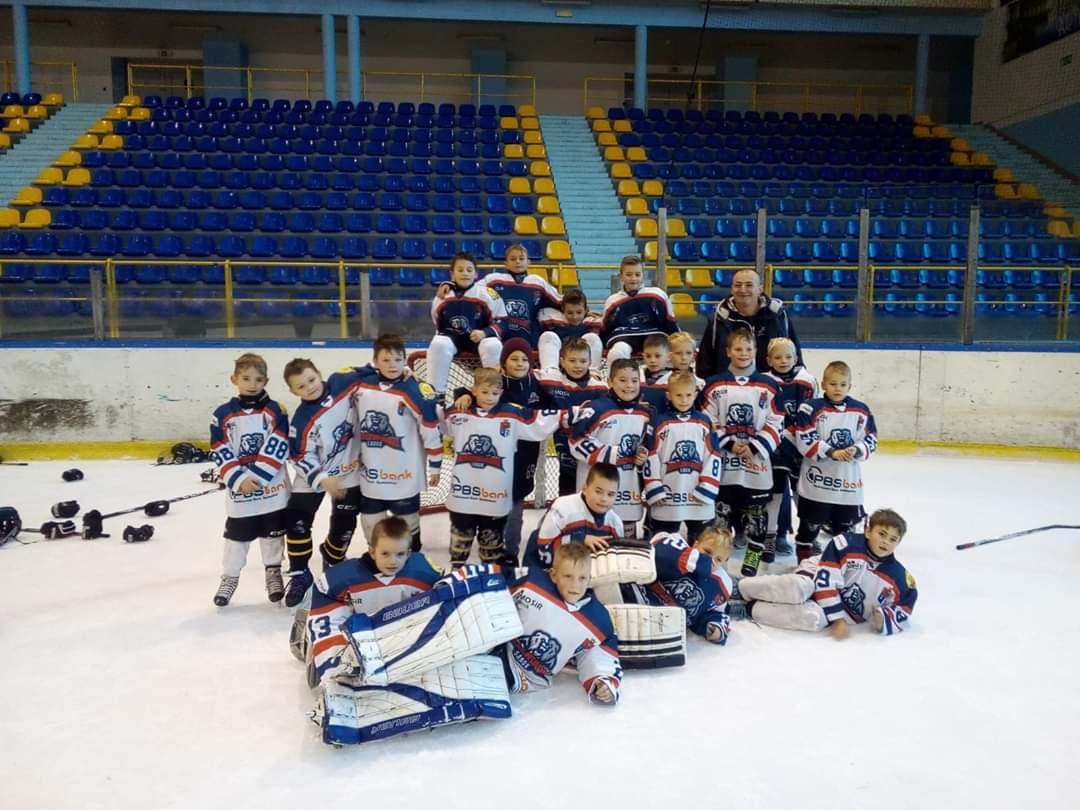 Turniej najmłodszych adeptów hokeja w Krynicy - Zdjęcie główne