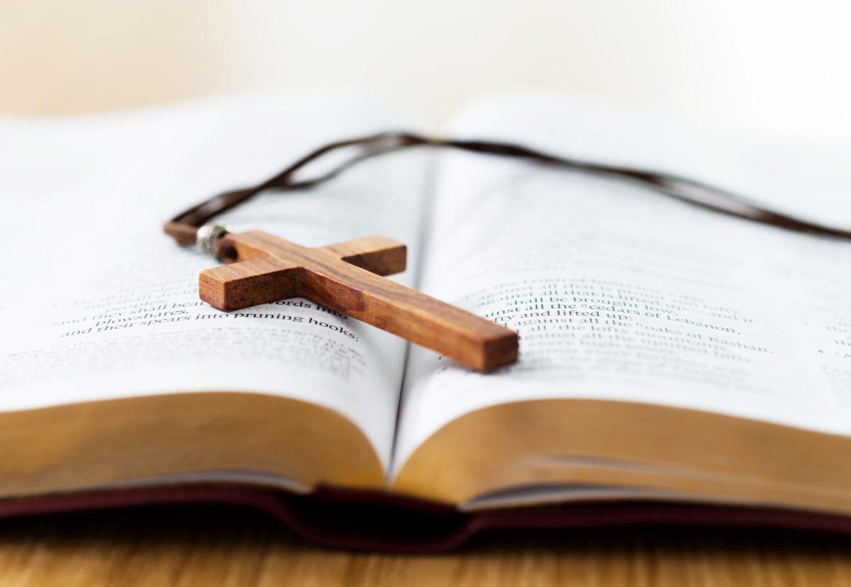 Religia i etyka w szkołach. Która z opcji odpadnie? - Zdjęcie główne