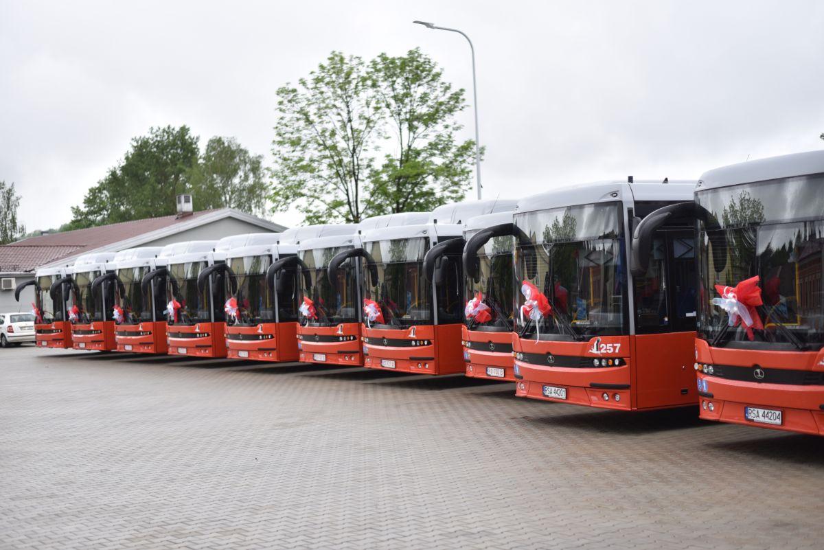 ZDANIE ODRĘBNE: Nowe autobusy - Zdjęcie główne