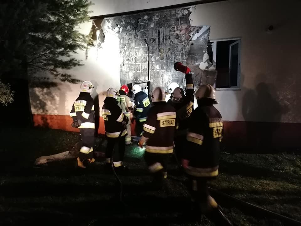 Pożar domu w Czaszynie. Rozszczelnienie instalacji gazowej [FOTO] - Zdjęcie główne
