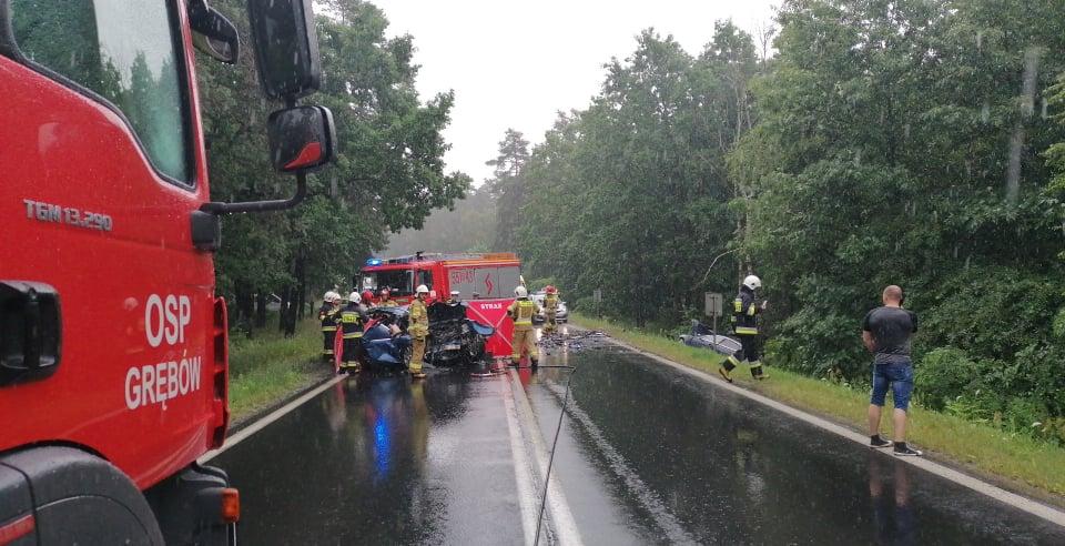 Podkarpacie: Śmierć na drodze! Nie żyją dwie osoby! - Zdjęcie główne