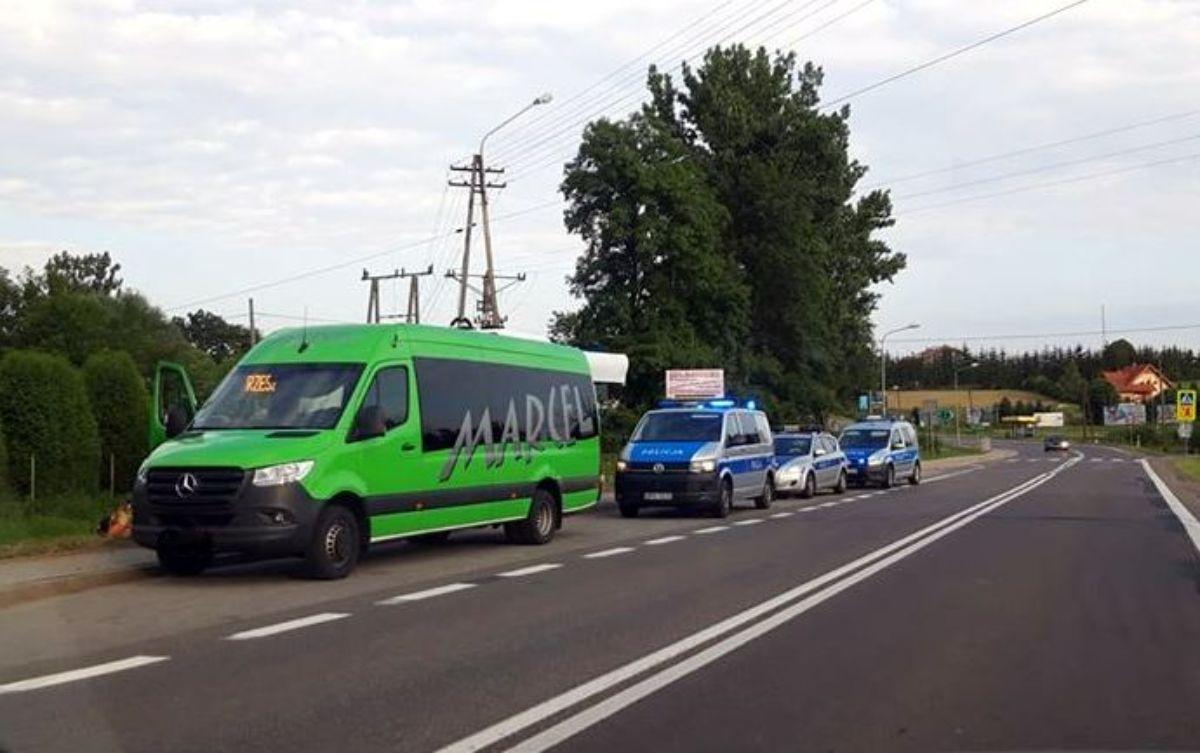 Czerteż. Bójka pasażerów w busie Marcel [FOTO] - Zdjęcie główne