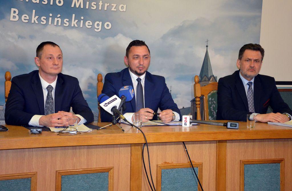 Pierwsza konferencja nowego burmistrza i pierwsze decyzje w urzędzie miasta [ZOBACZ CAŁĄ KONFERENCJĘ] - Zdjęcie główne