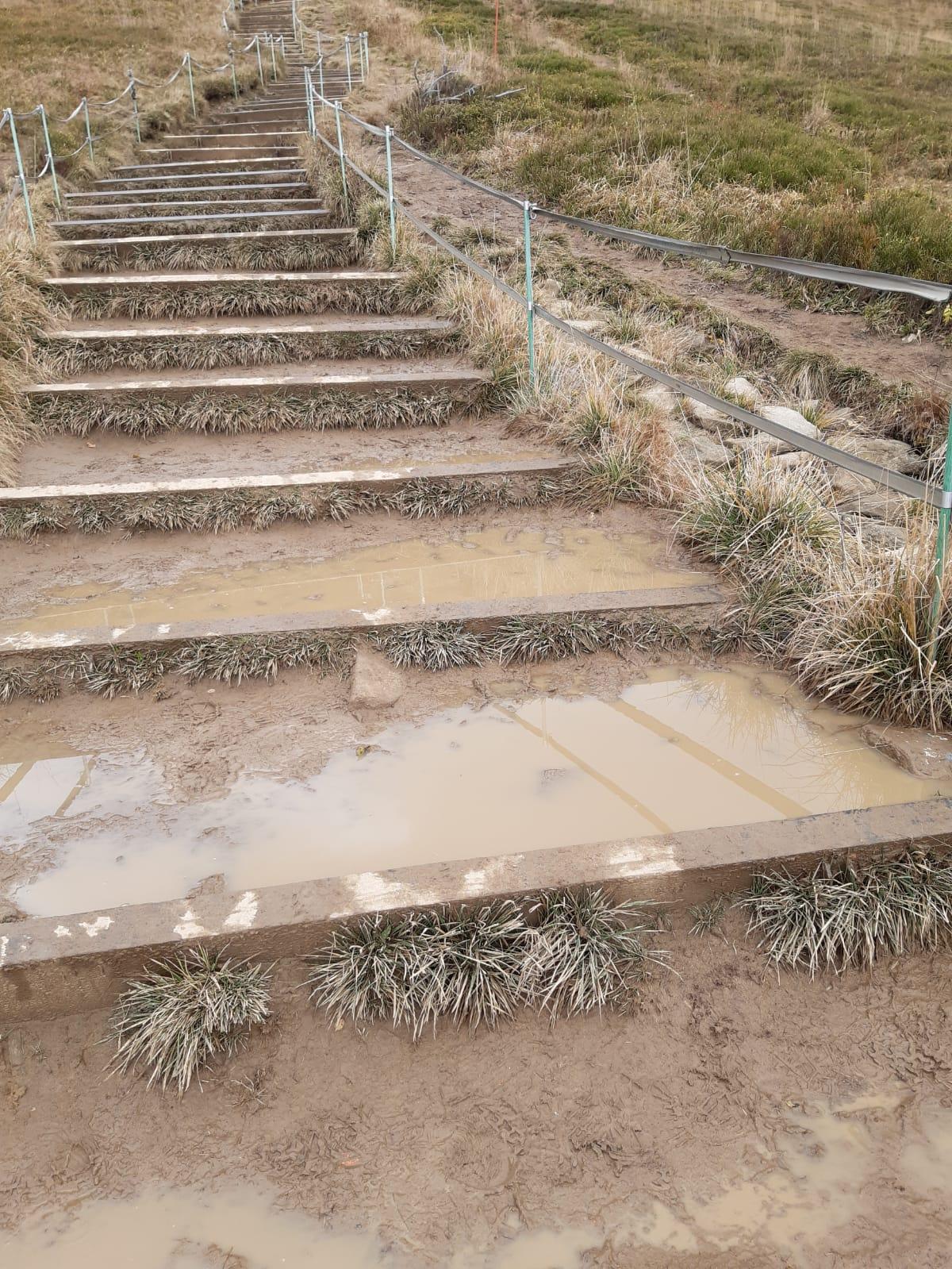 """BIESZCZADY: Nie budujemy nowych """"schodów"""" na szlakach - BPN wyjaśnia [FOTO] - Zdjęcie główne"""