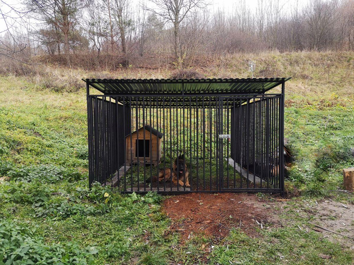 NOZDRZEC: Kojec dla psa już zamontowany! Rodzina szczęśliwa i spokojna [ZDJĘCIA] - Zdjęcie główne