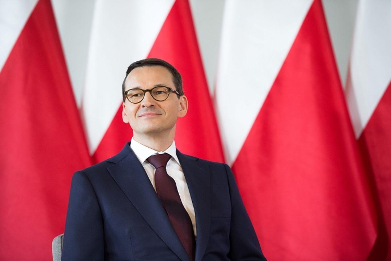 """Premier Mateusz Morawiecki przyznał się do błędu! Chodzi o sylwestrową """"godzinę policyjną"""" - Zdjęcie główne"""