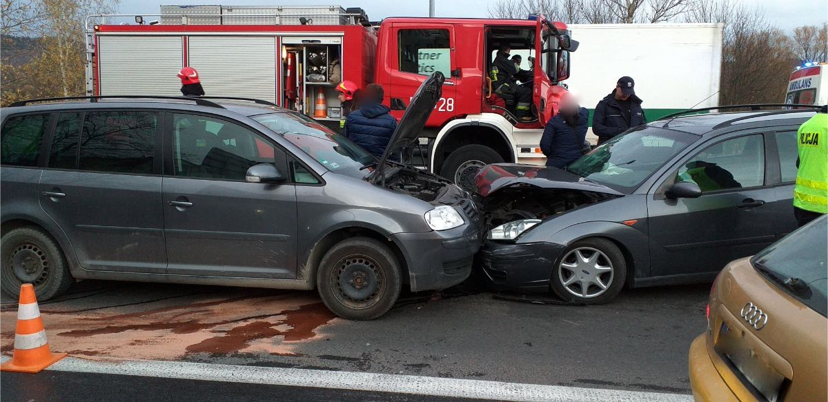 SANOK: Zdarzenie drogowe na skrzyżowaniu ulic Lwowskiej i Królowej Bony [VIDEO+FOTO] - Zdjęcie główne