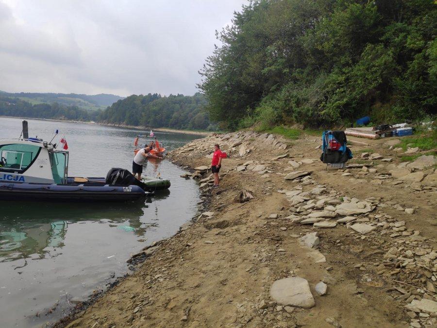 Bieszczady: Poszukiwania założyciela dzikiego obozowiska nad Jeziorem Solińskim [FOTO] - Zdjęcie główne