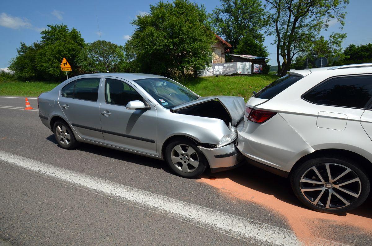 JUROWCE: Zderzenie 4 pojazdów. Poszkodowani przetransportowani do szpitala [FOTO+VIDEO] - Zdjęcie główne