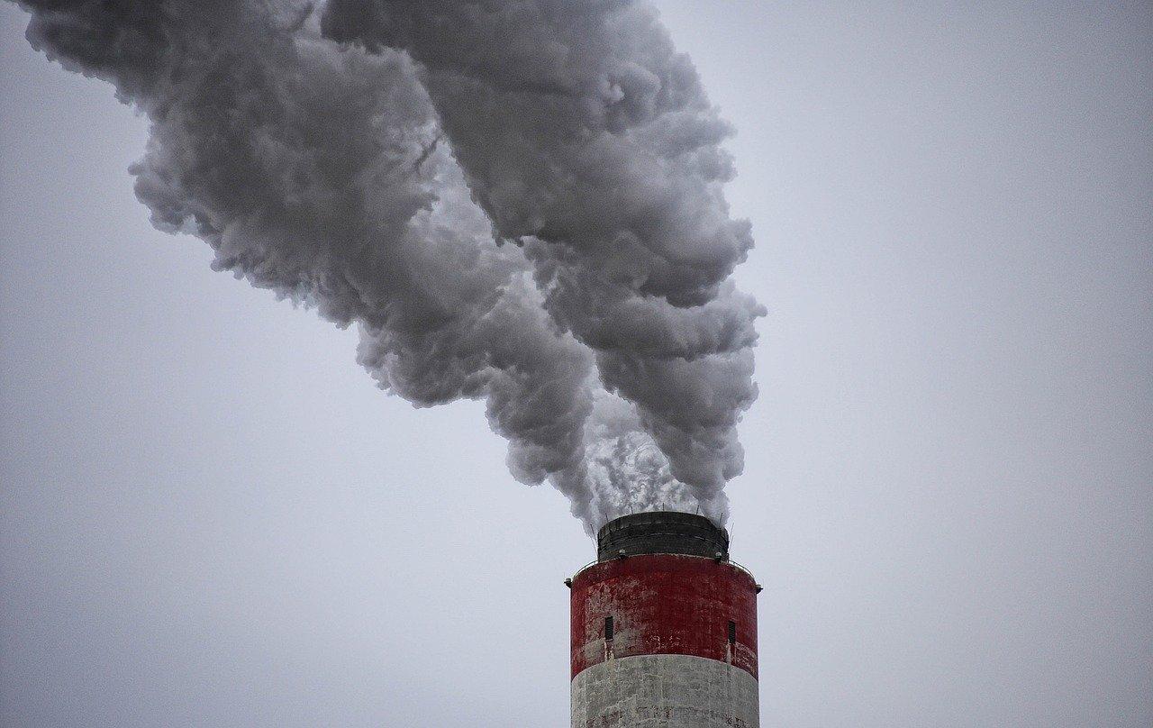 Jest związek między zanieczyszczeniem powietrza a umieralnością na Covid-19? - Zdjęcie główne