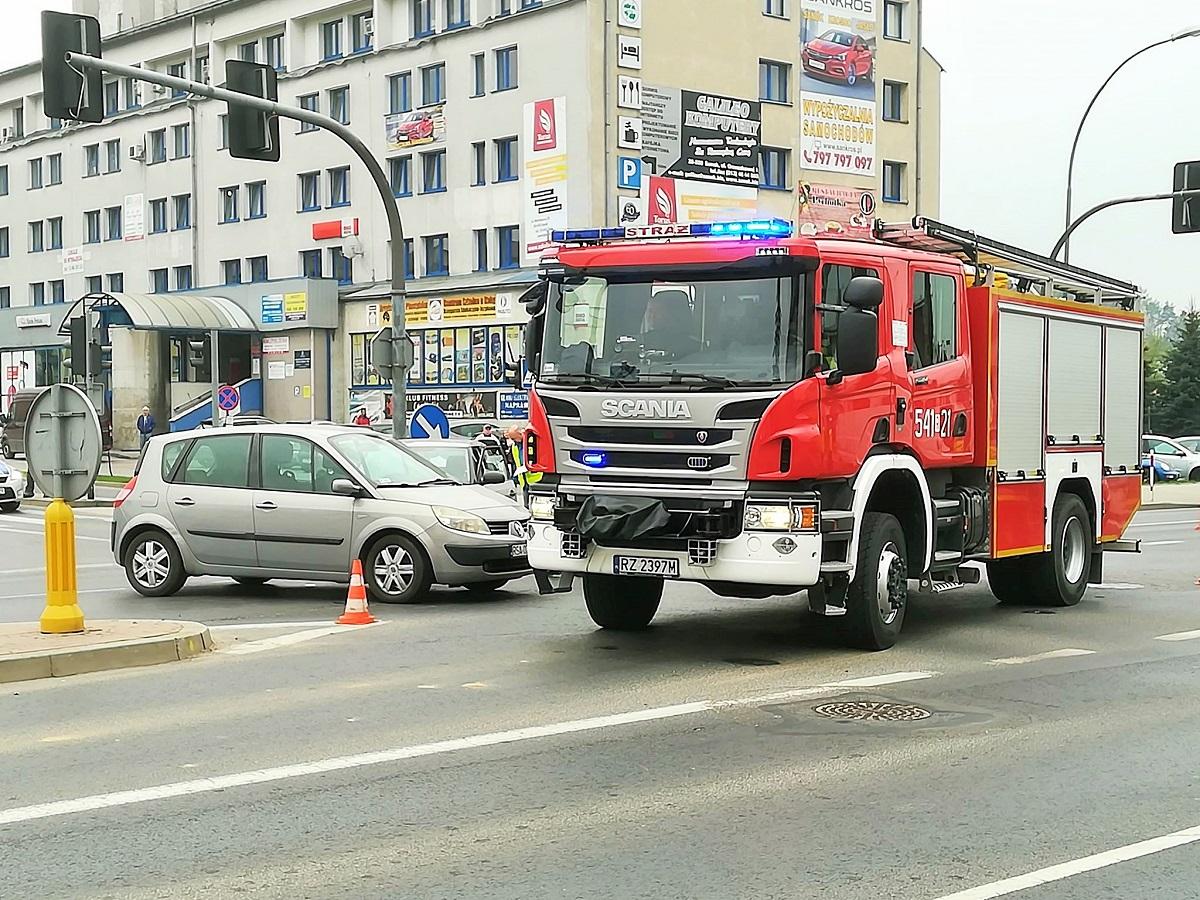 Wypadek w Sanoku - sprawca nie zatrzymał się na czerwonym świetle - Zdjęcie główne