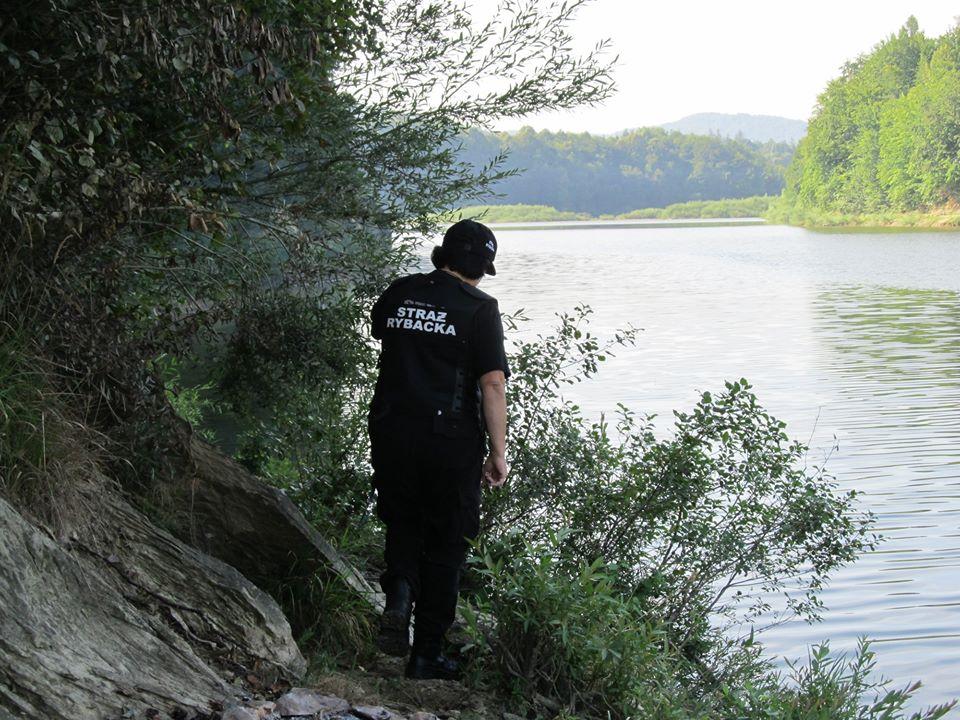 Kontrola na jeziorze Sieniawskim - połowy bez uprawnień [FOTO] - Zdjęcie główne