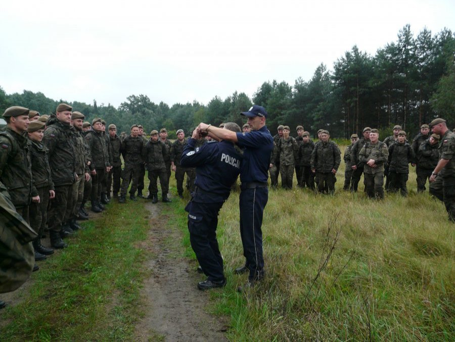 Podkarpacie. Szkolenie Wojsk Terytorialnych przez policjantów [FOTO]  - Zdjęcie główne